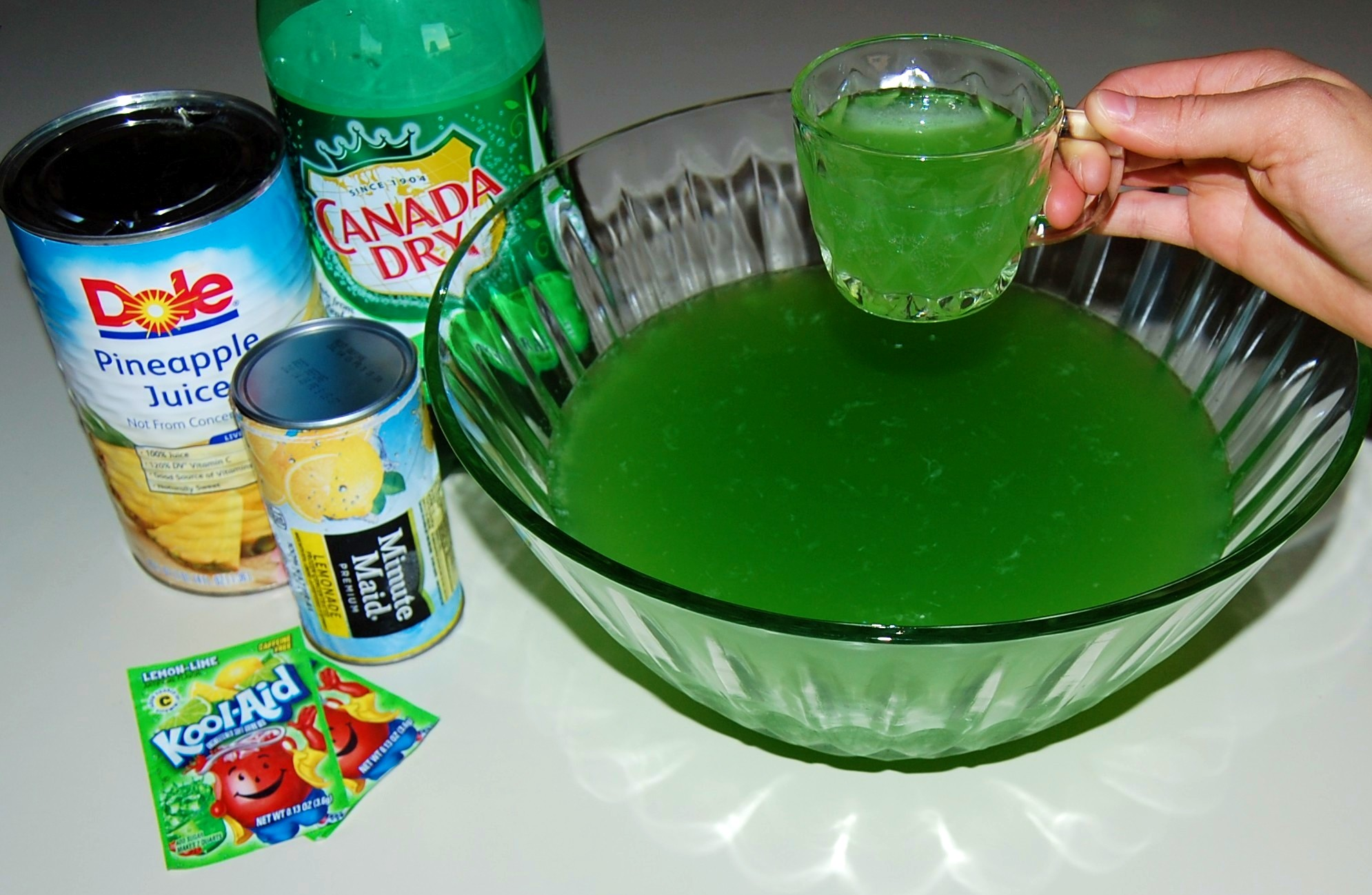 Mother 39 s lime green punch for Halloween green punch recipes alcoholic