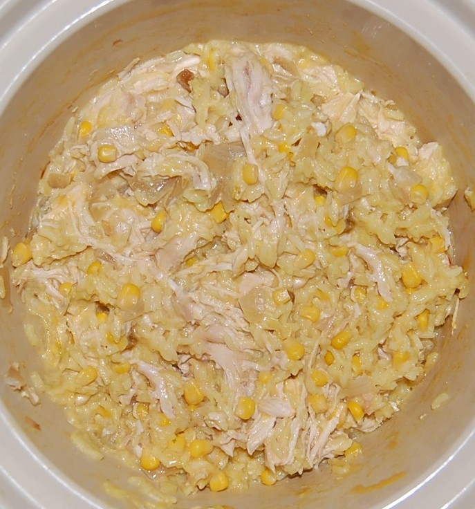 Slow Cooker Cheesy Chicken and Rice | Cooking Mamas