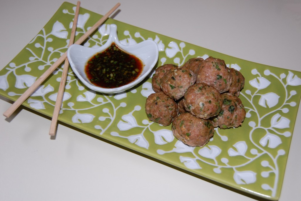 Asian Turkey Meatballs with dipping Sauce