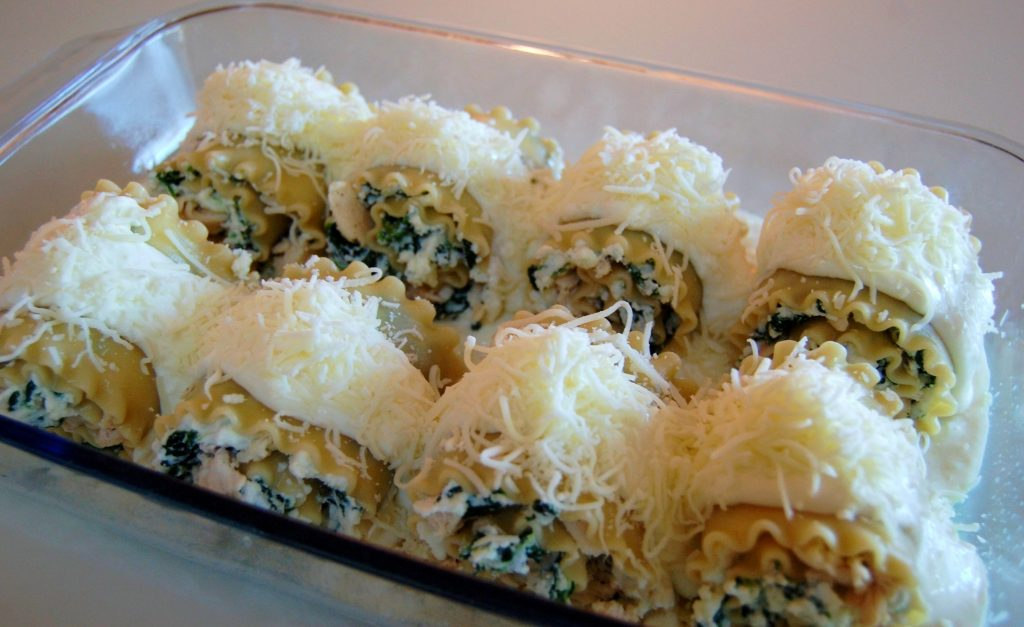 Chicken Alfredo Lasagna Roll Ups | Cooking Mamas