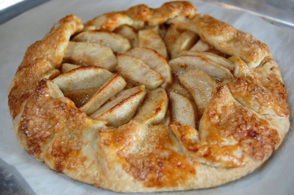 Apple Crostada with Cheddar Crust