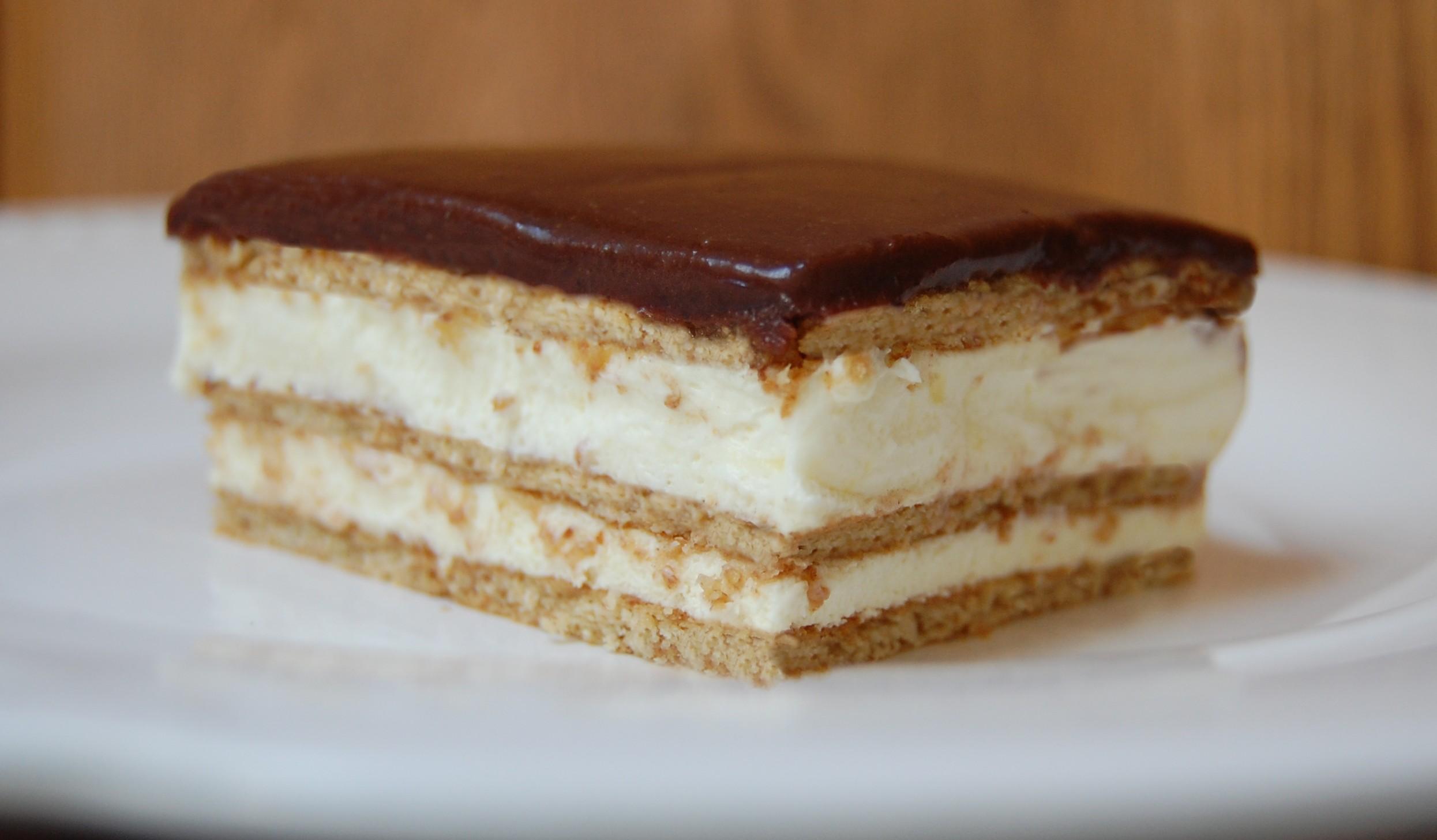 No Bake Eclair Cake | Cooking Mamas