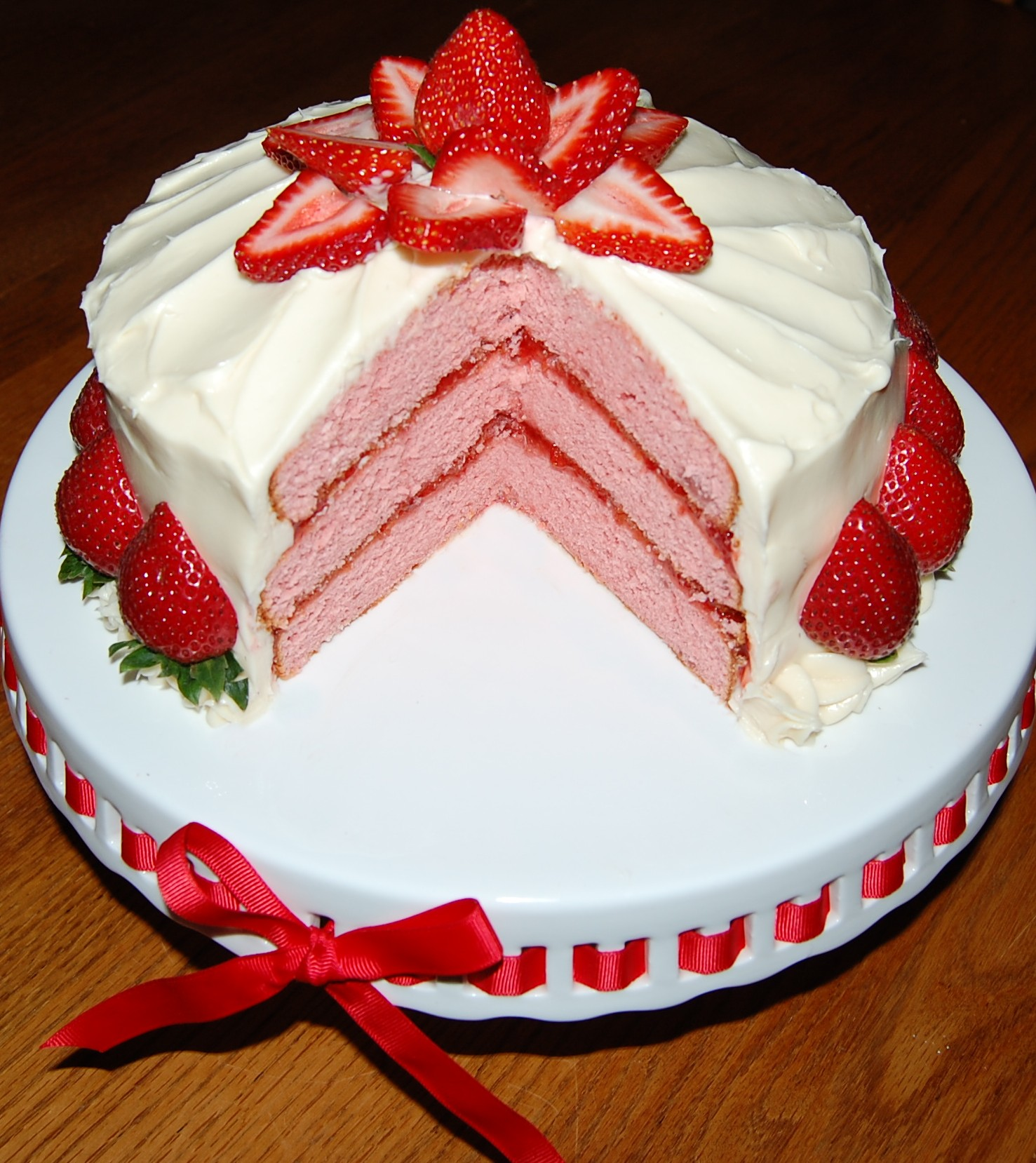 strawberry cake with cream cheese frosting strawberry layer cake cooking mamas 7739