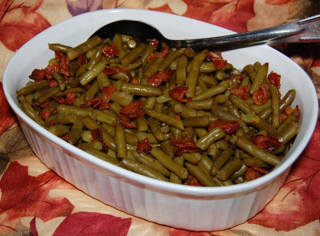 Smothered Green Beans | Cooking Mamas