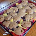 Snickerdoodle Peach Berry Crisp